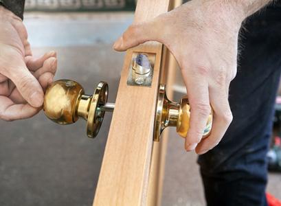 Replacement Doors Bloomington IL, replacement doors, entry doors, replacement entry doors, entry door installation, entry door repair, door company